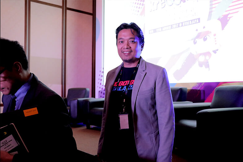 Nizam Razak speaks at Kre8tif! Conference and Content Festival 2017